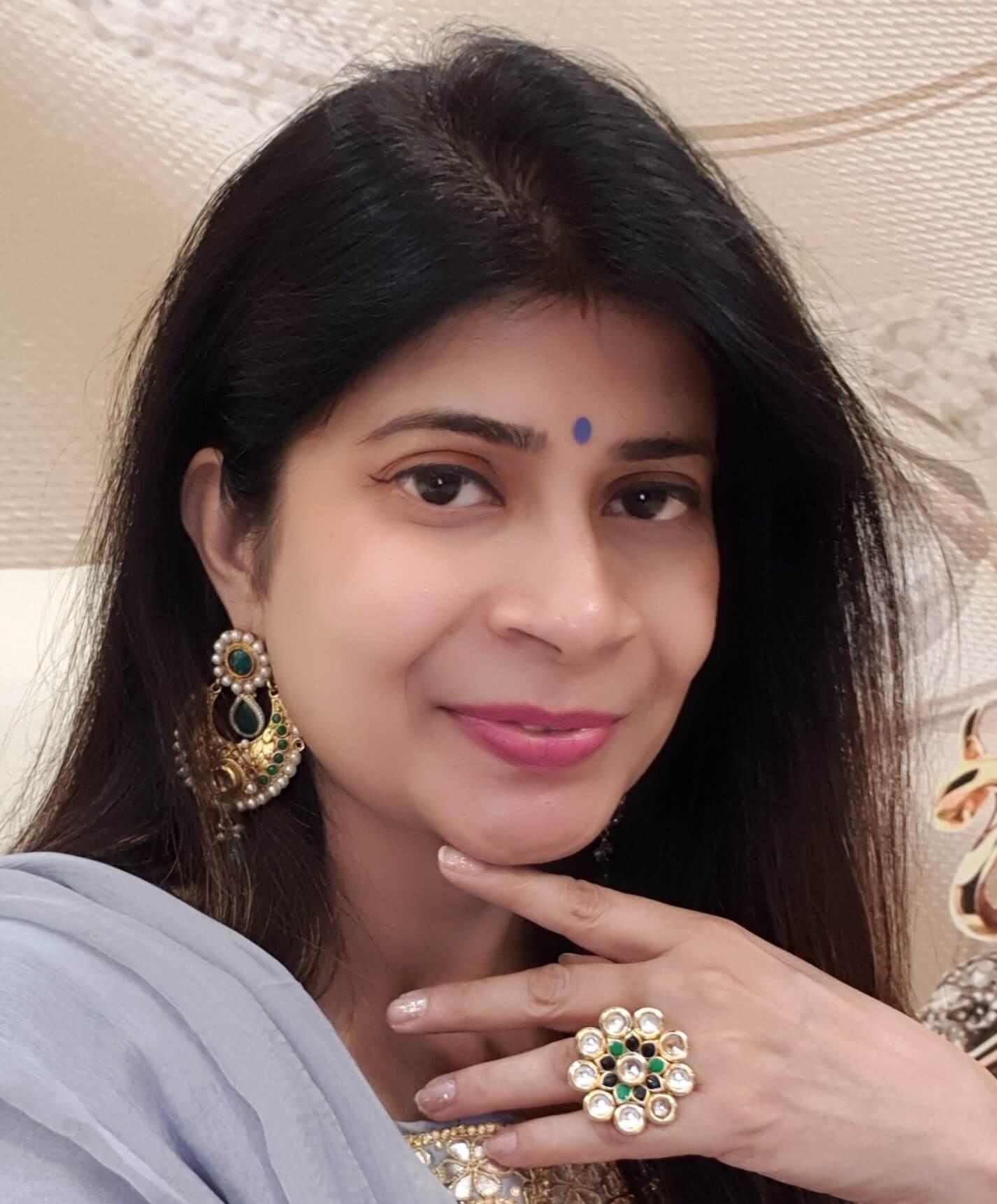 dentist in lucknow dr priya